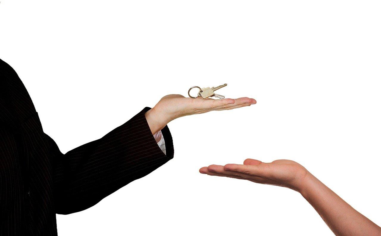 Кредит под залог имущества: быстро и без поручителей